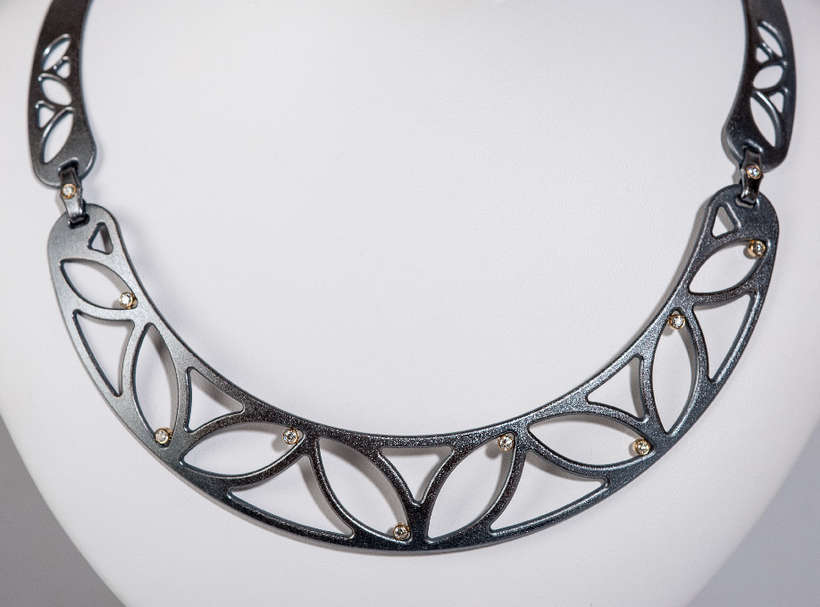 Maria Samora | Flower Collar | sterling silver, 18k gold, diamonds | donated by the artist | est. $5000-$6000